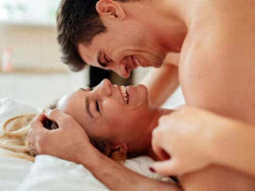 Kuinka nauttia tyydyttävästä ja turvallisesta seksielämästä? 5 vinkkiä