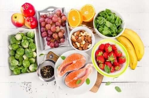 Välimeren ruokavalio koostuu monista terveellisistä ruoista