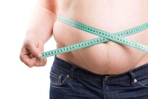 ylipainoa
