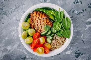 Kolme terveellistä illallisreseptiä, joissa on alle 300 kaloria