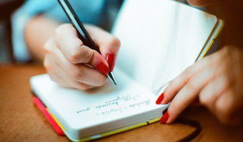 kroonisen väsymyksen hoito ja muistiinpanot