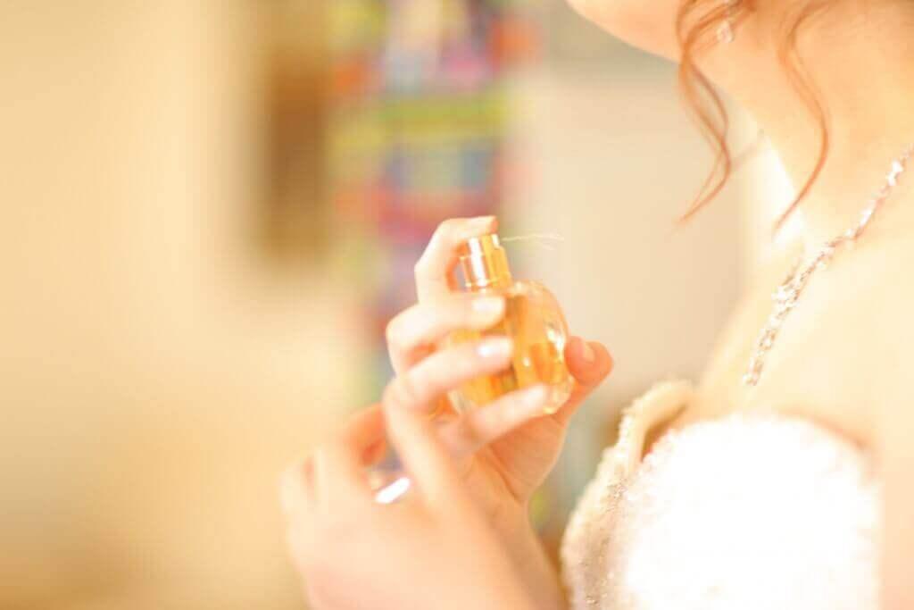 Hajusteiden sisältämät kemikaalit voivat vaikuttaa hormonihäiriöiden syntyyn
