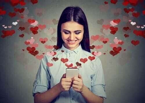 Lähettelet paljon tekstareita kun rakastut.