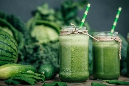 Miksi vihreät smoothiet ovat ruokavaliosi parhaita liittolaisia?