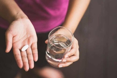 Lääkkeenä Diovan estää angiotensiini II:n vaikutusta, jonka seurauksena verisuonet rentoutuvat ja verenpaine alkaa laskea