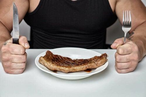 Kiistanalaisuudestaan huolimatta ketogeenistä ruokavaliota pidetään tälläkin hetkellä yhtenä parhaimmista vaihtoehdoista painon pudottamiseen