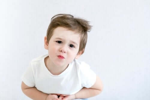 Lasten nefroottinen oireyhtymä aiheuttaa vatsakipua ja ripulia.