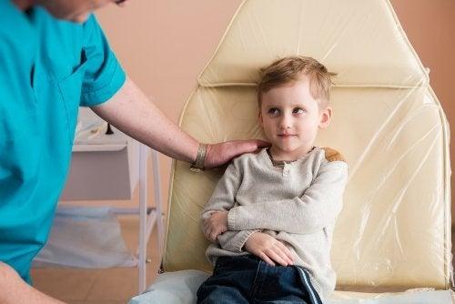 Lasten nefroottisen oireyhtymän syyt ja hoito