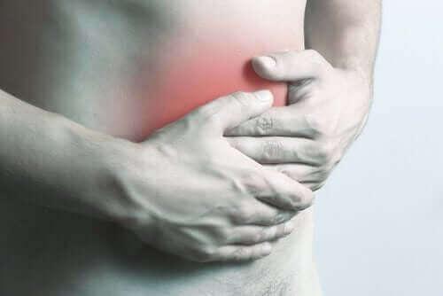 Vatsan märkäpesäkkeet voivat aiheuttaa vatsakipua