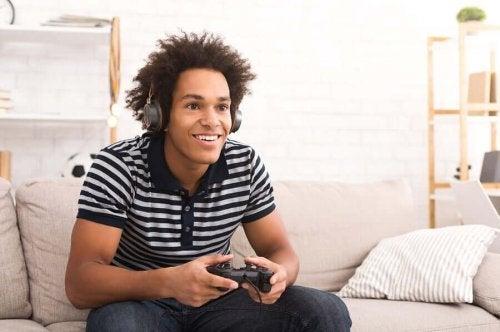 Videopelien pelaaminen voi olla haitallista liiallisissa määrissä