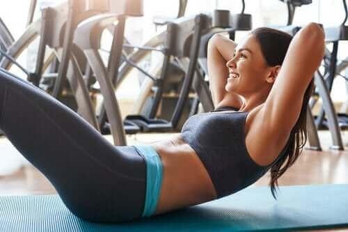 Vatsalihasten treenaaminen rasittamatta selkää