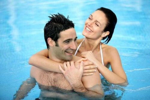 Ihmisen seksuaalinen vietti kasvaa usein kesällä, mikä voi omalta osaltaan johtua sekä sosioekonomisista että fysiologisista tekijöistä