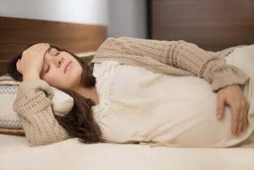 Raskausajan hieronta voi auttaa erilaisiin kipuihin ja lihaskireyteen
