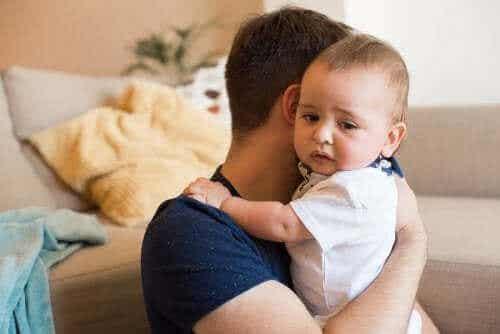 Vauvan suolistotulehdus: kuinka tulee toimia?
