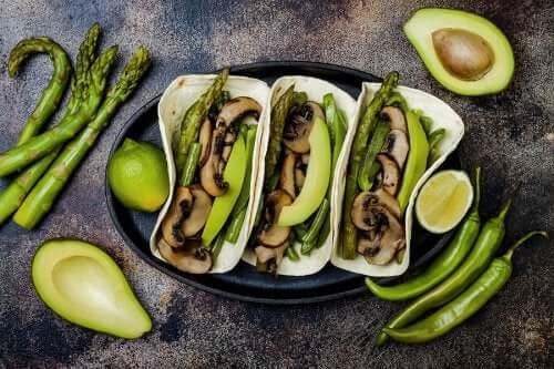 Sieni on sen ravitsemuksellisesta näkökulmasta katsottuna erittäin kattava ainesosa ruokavalioon kuin ruokavalioon