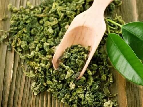 Vihreä tee on loistava aknen hoidossa.