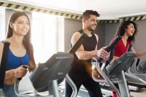 Nivelystävällisiä liikuntalajeja: 5 vaihtoehtoa