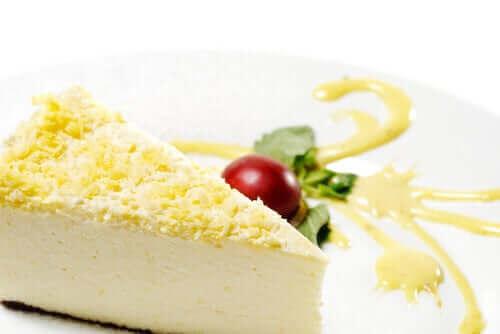 Inkivääriä voi lisätä juustokakkuun