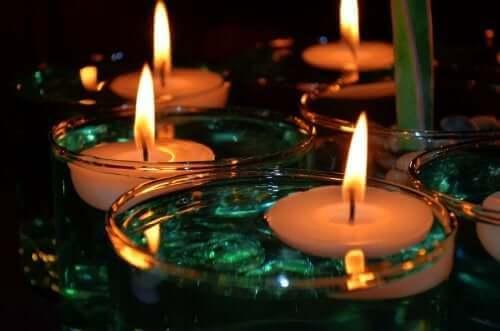 Viihtyisä ja tunnelmallinen koti syntyy kynttilöiden avulla