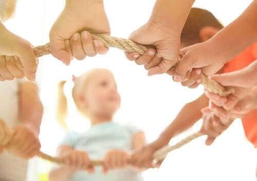 Lasten yhteisleikin hyödyt