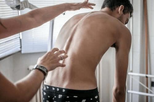 Harjoituksia skolioosin ehkäisyyn
