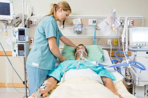 Mikä on nopean tekniikan intubaatio?