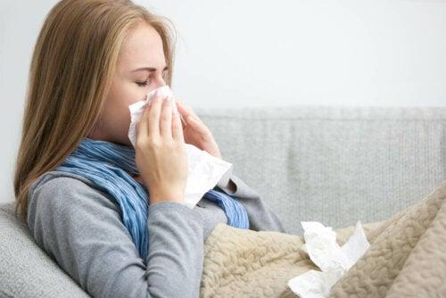 Vastoin monia uskomuksia ja sanontoja, pelkkä kylmälle ilmalle altistuminen ei johda flunssan syntyyn