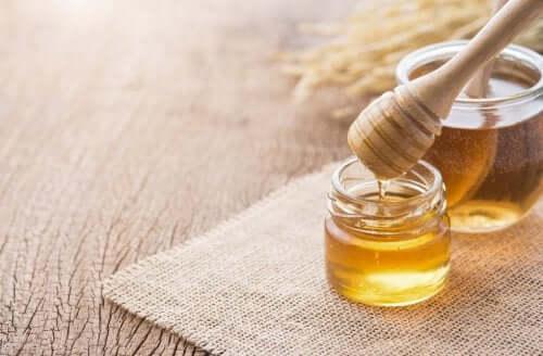 3 hunajahoitoa, jotka auttavat huolehtimaan hengityselinten terveydestä