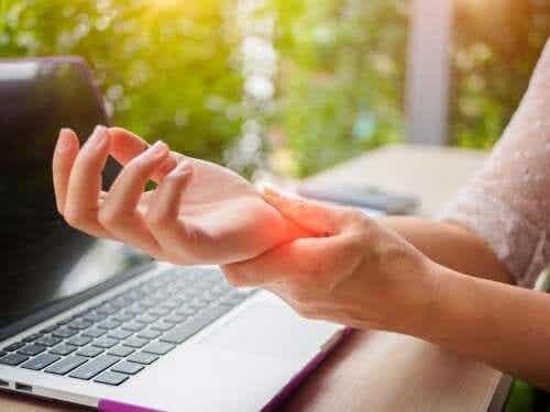 5 vinkkiä, joiden avulla ehkäiset käsien nivelrikon syntyä
