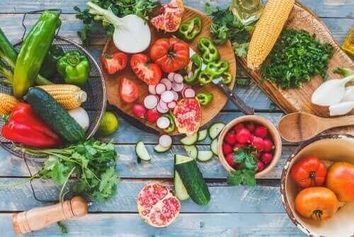 Kesällä lihominen on helppo välttää syömällä runsaasti kasviksia
