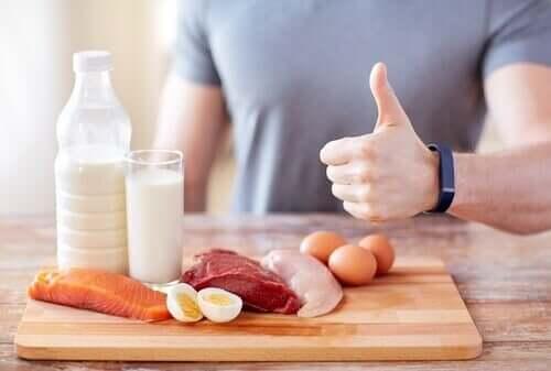 Ketogeeninen dieetti: mitä siitä ja sen riskeistä pitäisi tietää