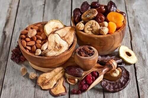 Pähkinät ovat hyvä välipala painontarkkailijalle