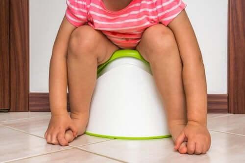 Lasten virtsatietulehdukset: oireet ja hoito