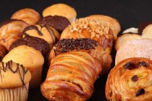 Transrasvat ovat yleisiä teollisissa leipomotuotteissa