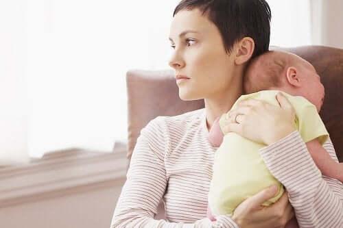 Joidenkin tutkimusten mukaan epiduraalinen anestesia voi toimia merkittävänä ennusteena synnytyksen jälkeisen masennuksen oireiden kehittymiselle