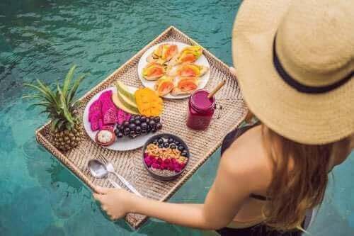 Vältä lihominen kesällä näillä ruokailutottumuksilla