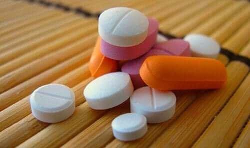 Lääkeopioidit aiheuttavat riippuvuutta.