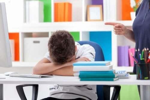 Lasten unihäiriöt voivat ilmetä uneliaisuutena päivällä