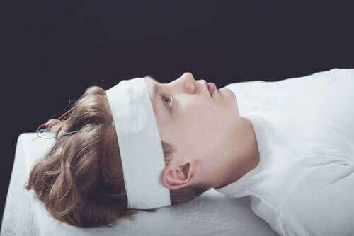 Aivotärähdys: oireet, diagnoosi ja hoito