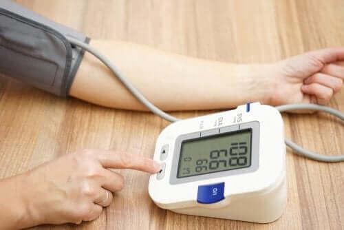 Amlodipiini laskee korkeaa verenpainetta