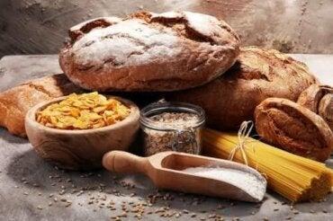 Kuusi konstia vähentää hiilihydraattien syöntiä