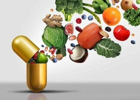 Vitamiinit jaetaan vesi- ja rasvaliukoisiin vitamiineihin