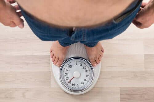 Säädettävä mahapanta auttaa potilasta laihtumaan.