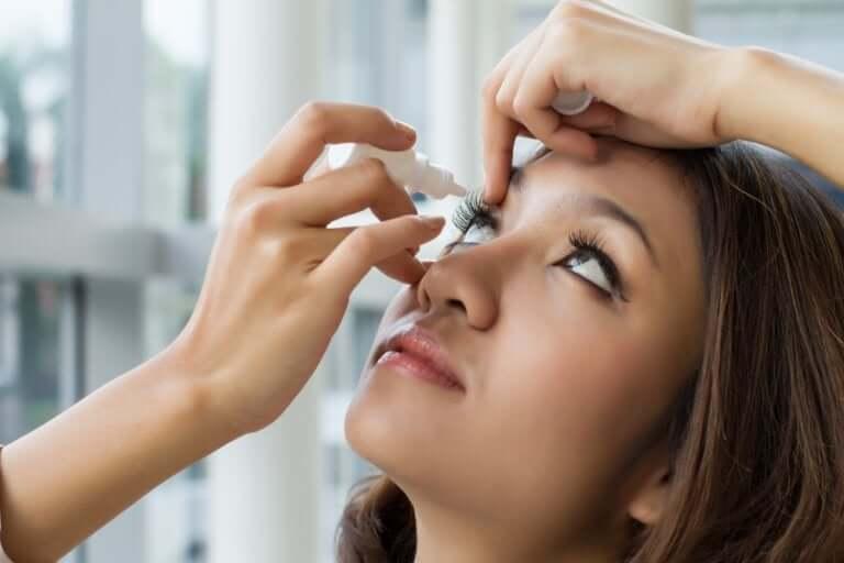 Oksimetatsoliini-silmätipat on tarkoitettu silmän ärsytystilojen hoitoon