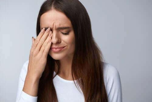 Mikä on silmän siipikalvo (pterygium)?