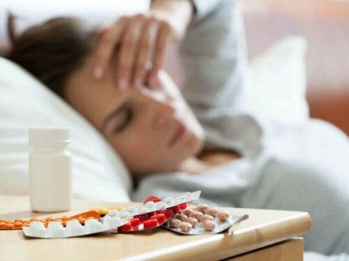 Rasagiliinin annostelu samaan aikaan muiden MAO-estäjien tai masennuslääkkeiden kanssa on vasta-aiheista