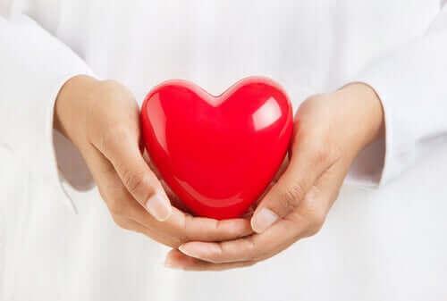 Koronaviruksen riskiryhmiin kuuluvat sydänpotilaat