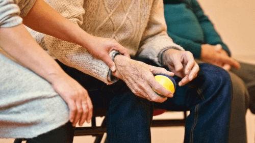 Parkinsonin taudille on ominaista liikehäiriöt