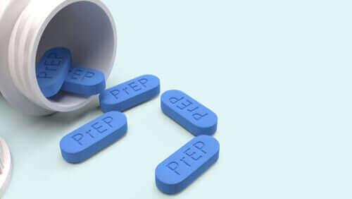 HIV-positiivisten tulisi jatkaa antiretroviraalilääkitystä normaaliin tapaan pandemian aikana