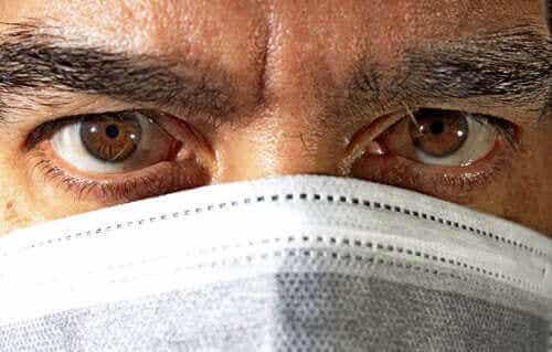 Onko silmän sidekalvotulehdus koronaviruksen uusi oire?
